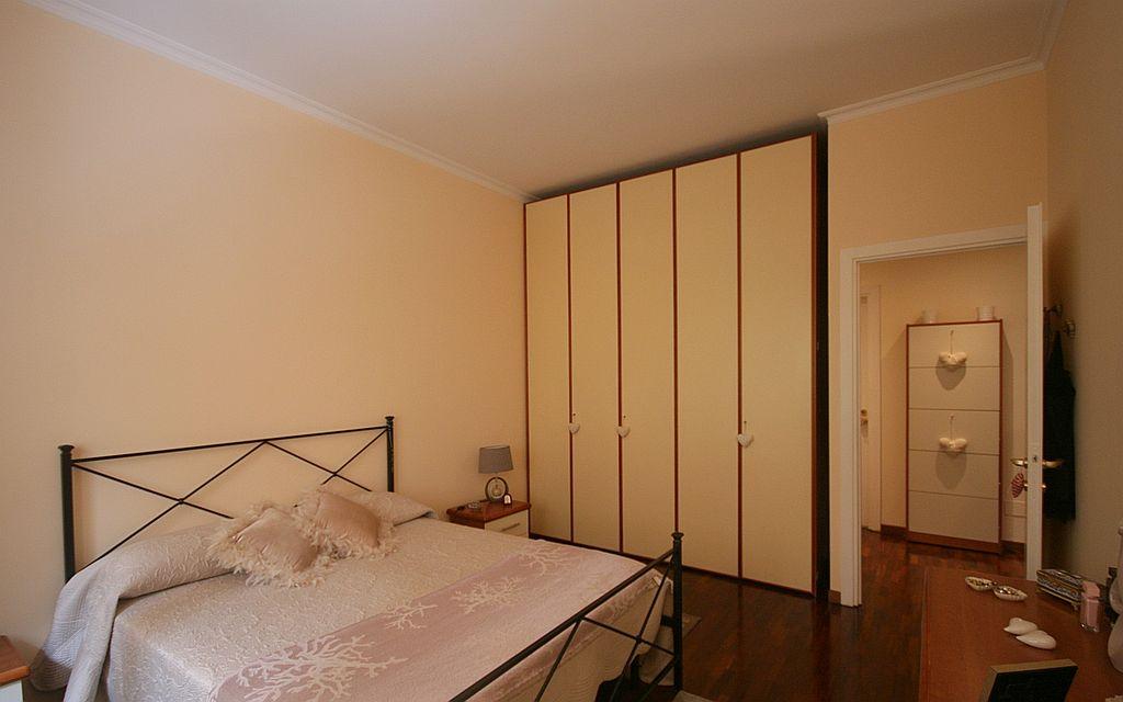 Camera da letto fincasa 77 for Camera da letto usata mantova